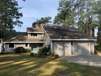 Waterfront Home On Pamlico River : Bath : Beaufort County : North Carolina