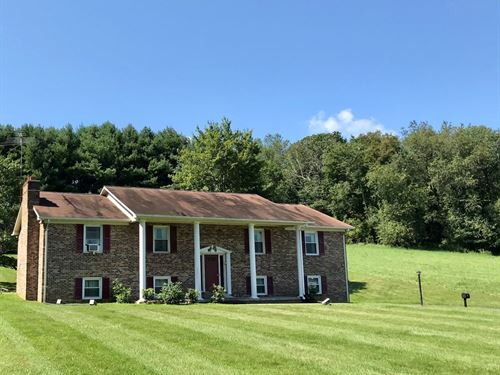 Beautiful Country Home in Floyd VA : Floyd : Virginia