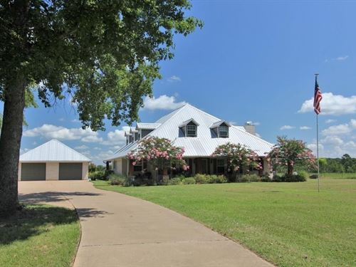 Ranch Style Home Land East Texas : Palestine : Anderson County : Texas