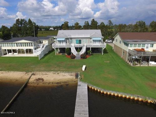 This Home Is A Dream Come True : Chocowinity : Beaufort County : North Carolina