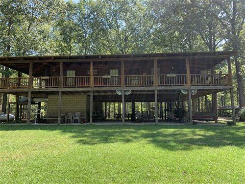 Waterfront Cabin on The Tombigbee : West Greene : Greene County : Alabama