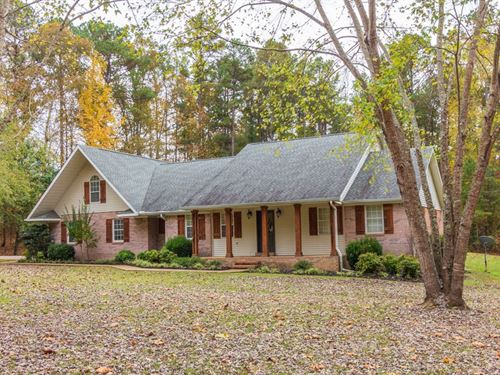 Custom Brick Large Family Eastview : Ramer : McNairy County : Tennessee