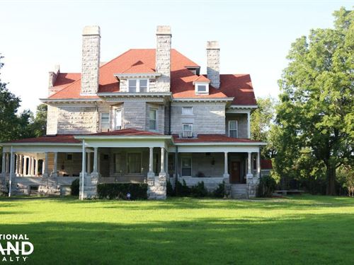 Rural Carthage Historic Home And Ac : Carthage : Jasper County : Missouri