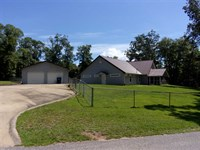 Beautiful Waterfront Home Located : Abbeville : Henry County : Alabama