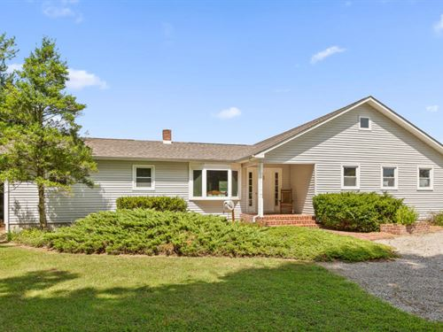 Charming Home On +/-5.2 Acres : Pikeville : Bledsoe County : Tennessee