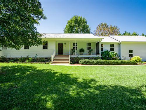 Gardener's Paradise On 2 Acres : Madison : Morgan County : Georgia