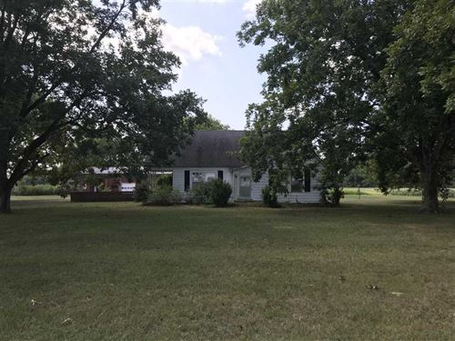 Nice House With Lots of Potential : Brooksville : Noxubee County : Mississippi