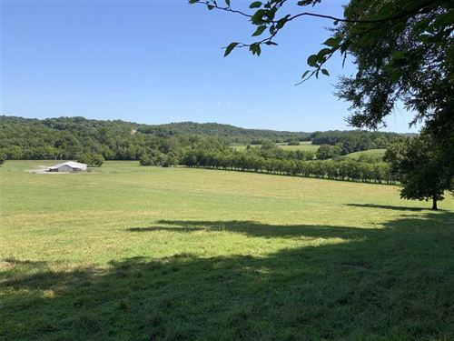 35 Acres of Farm Living at It's fi : Shelbyville : Bedford County : Tennessee