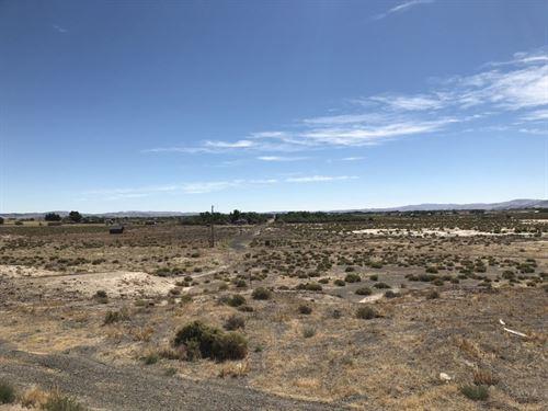 1 Acre On Hwy 95A : Silver Springs : Lyon County : Nevada