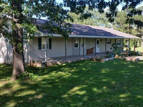 Quiet Country Home Douglas County : Ava : Douglas County : Missouri