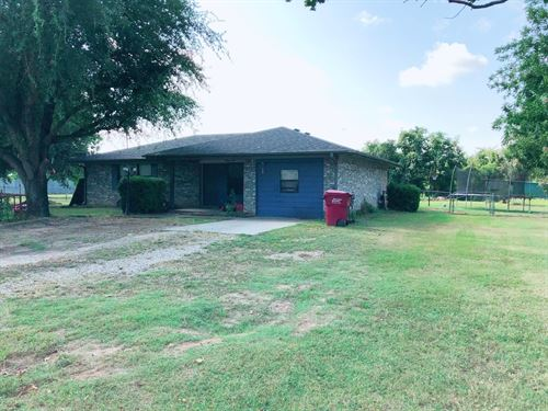 Country Home Outside Town Powderly : Powderly : Lamar County : Texas