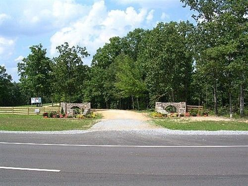 11.13 Acres Tennessee Semi Private : Lawrenceburg : Wayne County : Tennessee