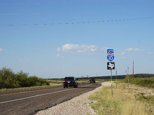 106.24 Acres Hwy 67 West Fort : Fort Stockton : Pecos County : Texas