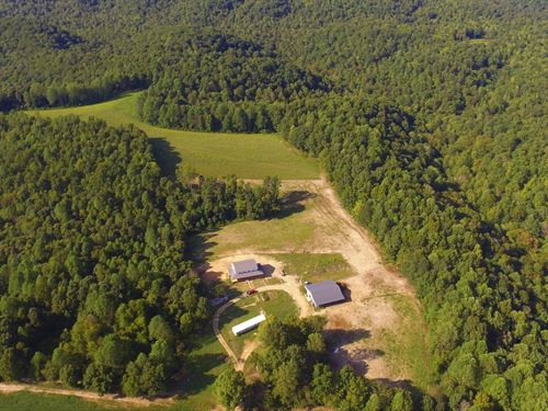 Farm-Amish Built Home, Barn-Storage : Columbia : Adair County : Kentucky