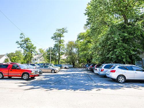 Parking Lot, Nashville, Indiana : Nashville : Brown County : Indiana