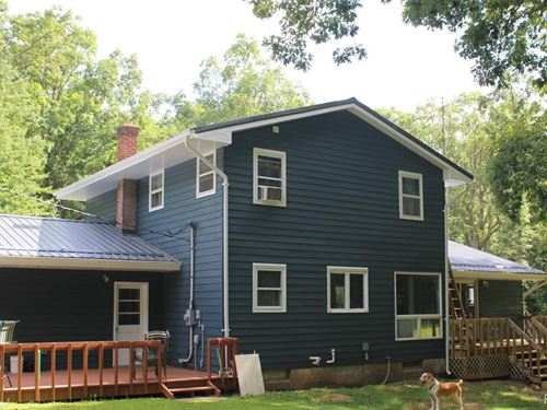 Beautiful, Secluded Country Home : Otter Lake : Lapeer County : Michigan