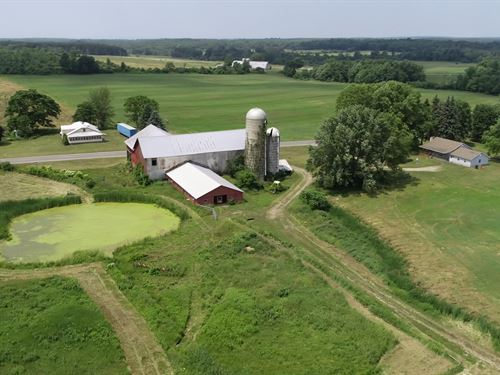 Farmhouse & Barn, Lot 2 : Richland : Oswego County : New York