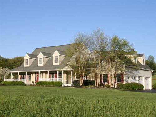 Modern Farmhouse On 6.4 Acres : Long Valley : Morris County : New Jersey