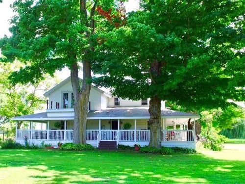 Beautiful Historic Farmhouse 10 : Hartford : Van Buren County : Michigan
