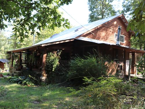 Ozarks Log Cabin On 6.98 Acres : Leslie : Searcy County : Arkansas