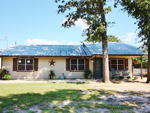 Country Home Acreage With Workshop : Marquez : Leon County : Texas