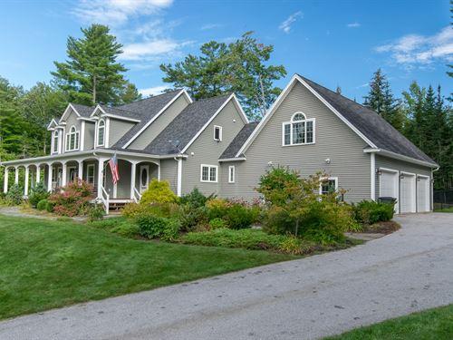 Luxury Country Home Hampden, Maine : Hampden : Penobscot County : Maine