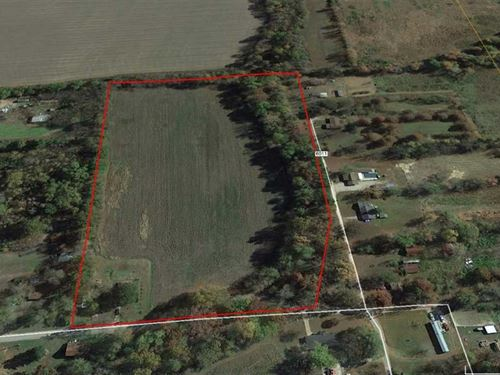 Farmhouse on 12 Acres For Sale in : Poplar Bluff : Butler County : Missouri