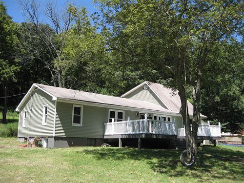 Missouri Ozarks, Country Home : Fredericktown : Madison County : Missouri
