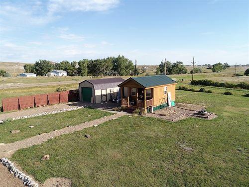 Log Cabin Tiny Home on One Acre : Glendive : Dawson County : Montana