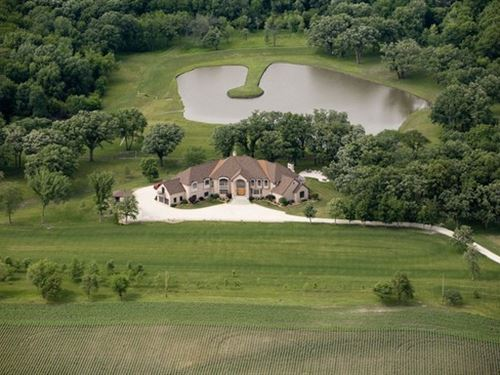Amber Oaks Estate On 107.65 Acres : Milford : Iroquois County : Illinois