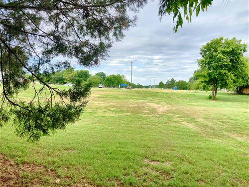 Building Lot, Across From Park : Ardmore : Carter County : Oklahoma