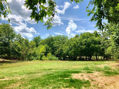 2.67 Acres Inside City Limits : Ardmore : Carter County : Oklahoma