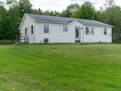 Lakefront Home in Lincoln, Maine : Lincoln : Penobscot County : Maine