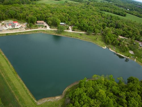 Luxury Lakeside Resort & Event : Perry : Jefferson County : Kansas