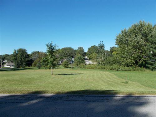 Nice Corner Lot Great Location : Albany : Gentry County : Missouri