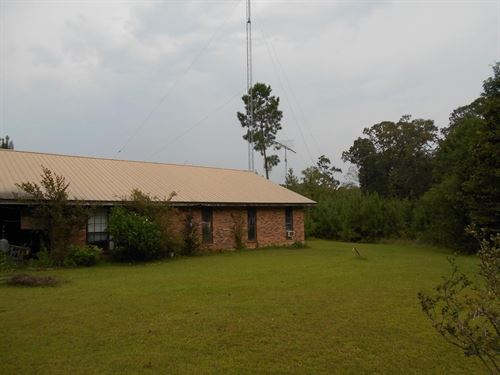 Ranch Style Home Joins Homochitto : Gloster : Amite County : Mississippi