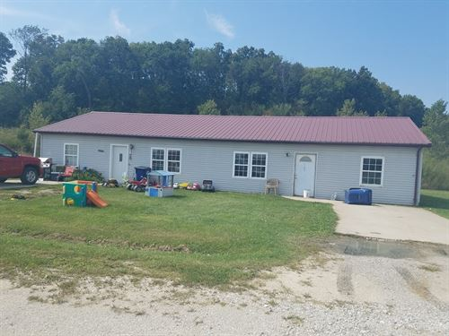 2 Duplex Buildings & 17 Acres : Milan : Sullivan County : Missouri