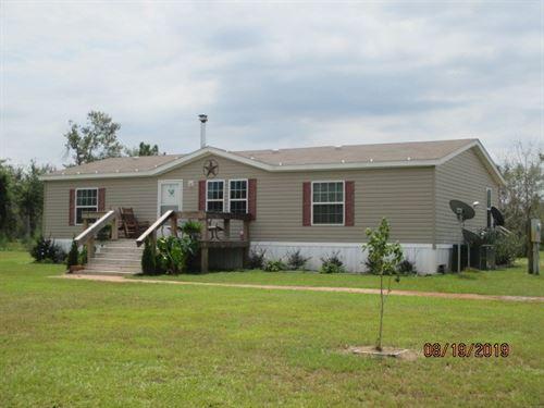 Quiet, Country Lifestyle Not Far : Altha : Calhoun County : Florida