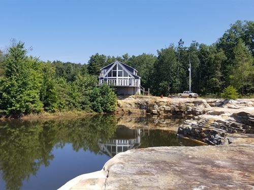 Lake Home Situated On 22.7+/-Acres : South Pittsburg : Marion County : Tennessee