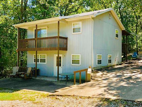 Family Lake Home, Stockton Lake : Stockton : Cedar County : Missouri
