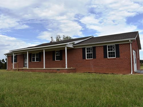 Ranch Style Country Farm House 1 AC : Milan : Gibson County : Tennessee