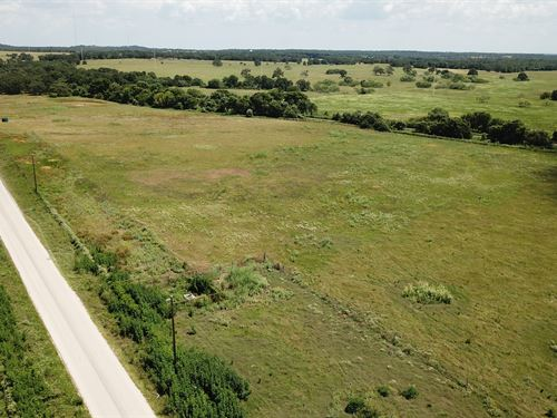 3.001 Acres Of Land In Tx : Luling : Caldwell County : Texas