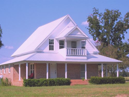 Beautiful Home And Hayfield : Baxley : Bacon County : Georgia