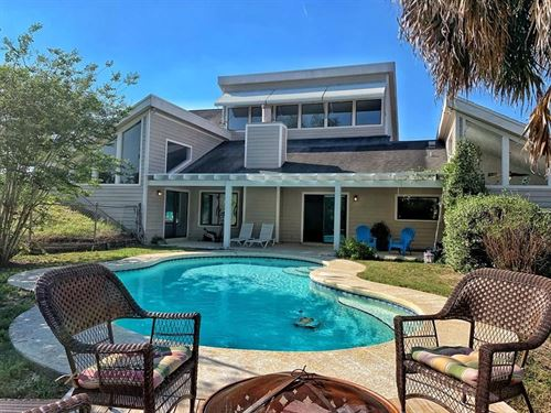 Rolling Oaks Home Pool, Trenton, FL : Trenton : Gilchrist County : Florida
