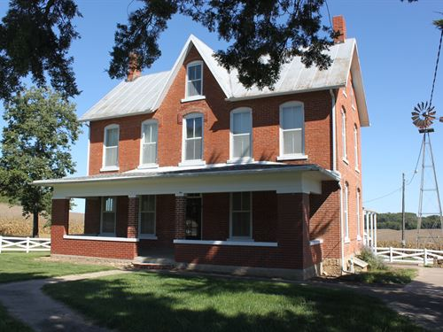 Historic Brick Home In Country : Atchison : Kansas