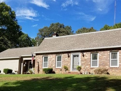 4Br 2Ba Beautiful Dutch Style : Linden : Perry County : Tennessee