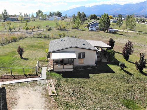 Corvallis Home With Acreage : Corvallis : Ravalli County : Montana