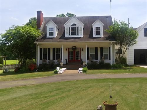 House With Horse Barn, Pond & Shop : Humboldt : Crockett County : Tennessee