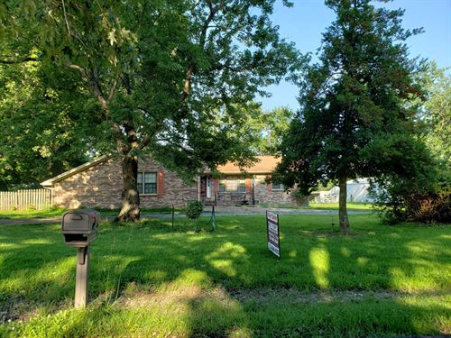 Home, Shop, Pasture, Pond : Martin : Weakley County : Tennessee