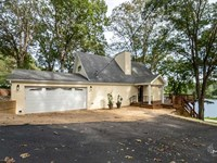 Residential Lakefront Home in Butl : Poplar Bluff : Butler County : Missouri